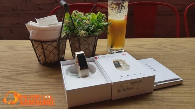 giá vòng đeo tay Huawei BAND 3 PRO chính hãng bao nhiêu